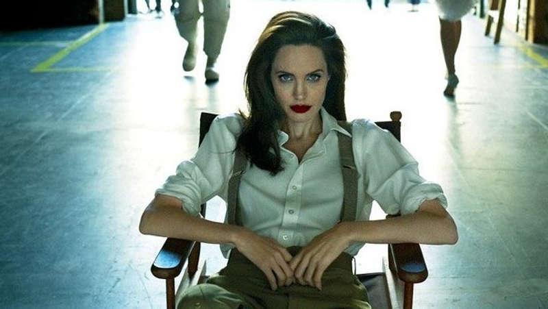 Angelina Jolie Jadi Sutradara Film Tentang Fotografer Perang Unreasonable Behaviour