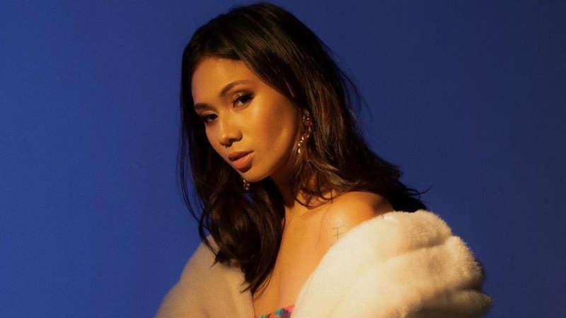 Niki Pelantun Lagu Indonesia Raya Di Panggung Musik Amerika