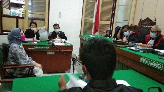 Siska Sari W Maulidhina, terdakwa yang mengaku sebagai cucu Nyi Roro Kidul